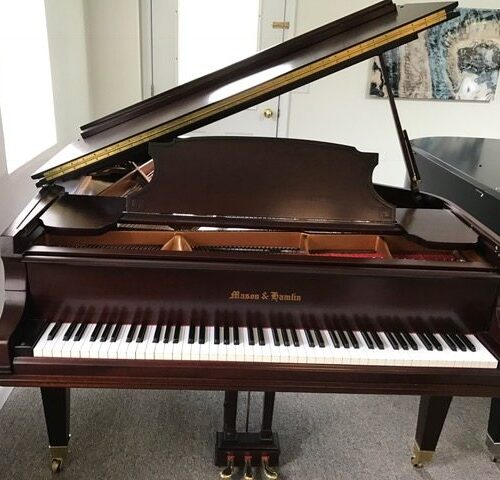 1931-maon-hamlin-a-grand-piano