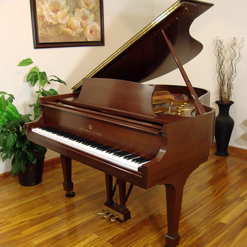 1988 Steinway Grand Piano Model M Traditional Ebony