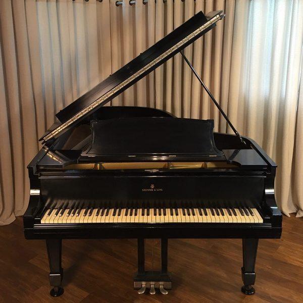 steinway-traditional-a3-ebony-grand-piano-F1