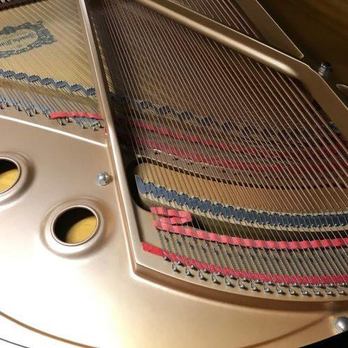 yamaha-c1-grand-piano2